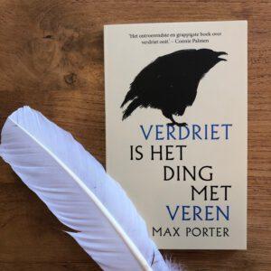 Verdriet is het ding met veren van Max Porter, het favoriete boek van Catrien Noppers De Zwaan Uitvaarten